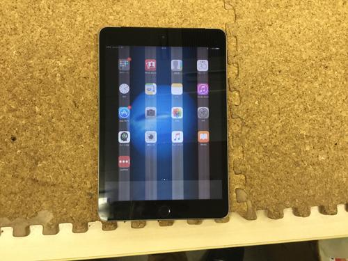 iPad Mini 3 液晶故障